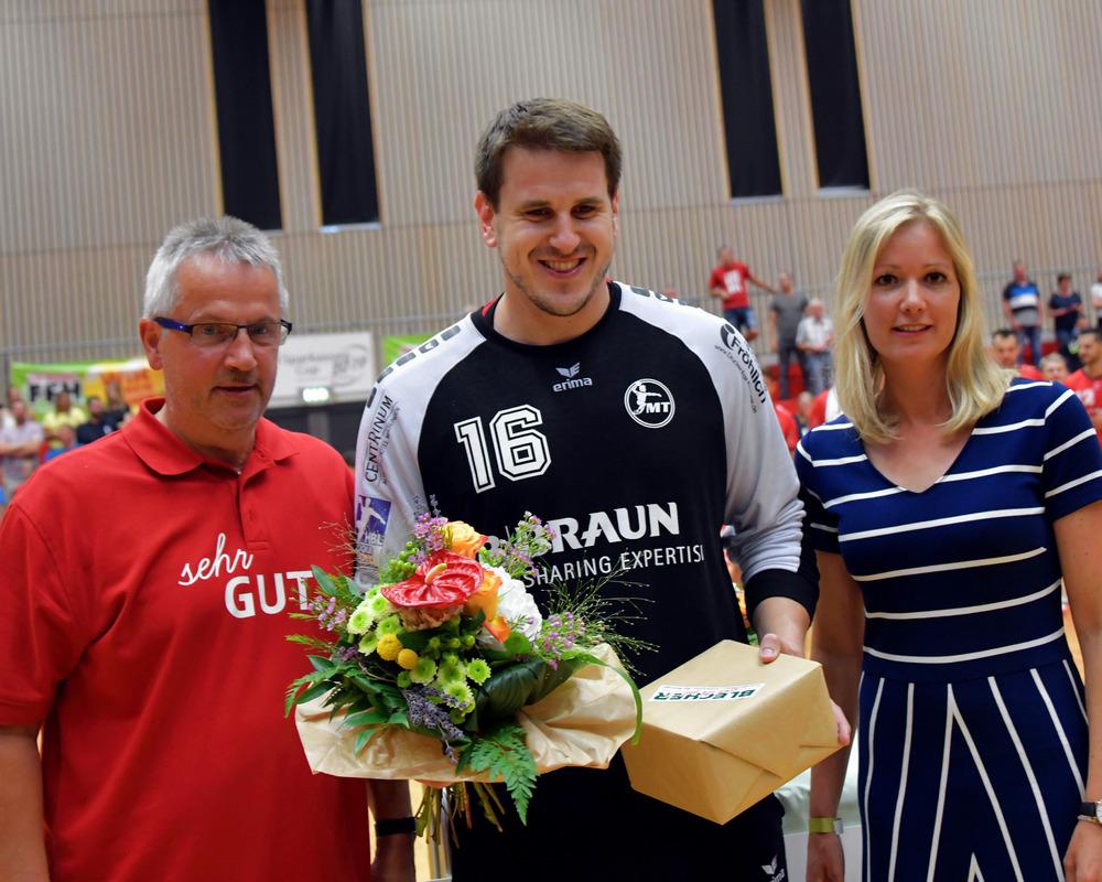 Impression von der Siegerehrung des Sparkassen-Handballcups